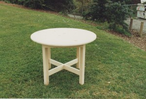 round pine side table